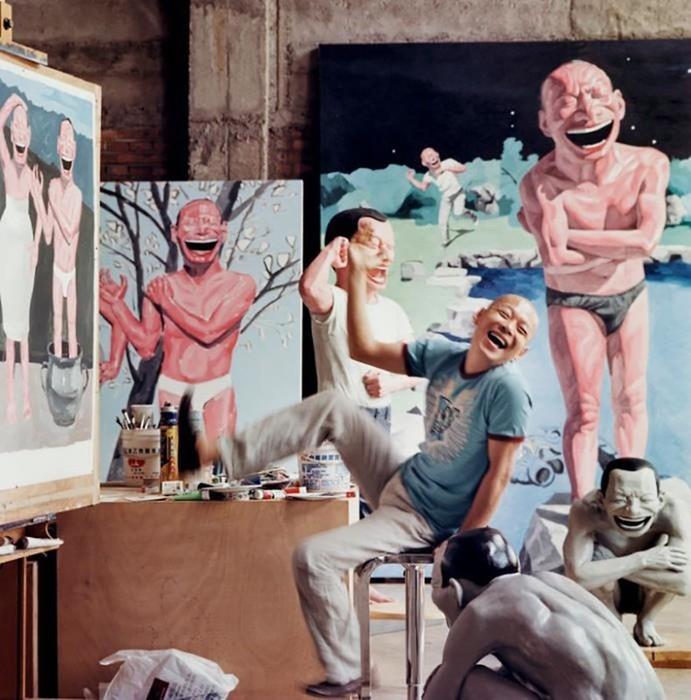 Рабочие места художников. А какое у тебя место для созидания?