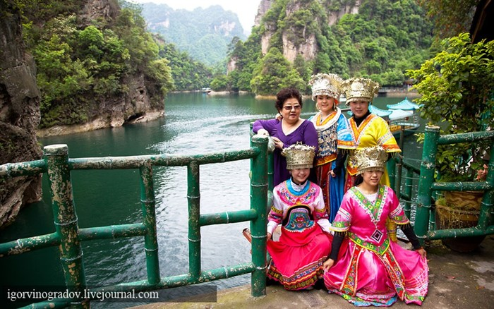 Планета Пандора — реальна! Горы в парке Чжанцзяцзe (Китай)