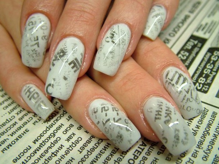 Newspaper manicure at home (newspaper print on the nails)