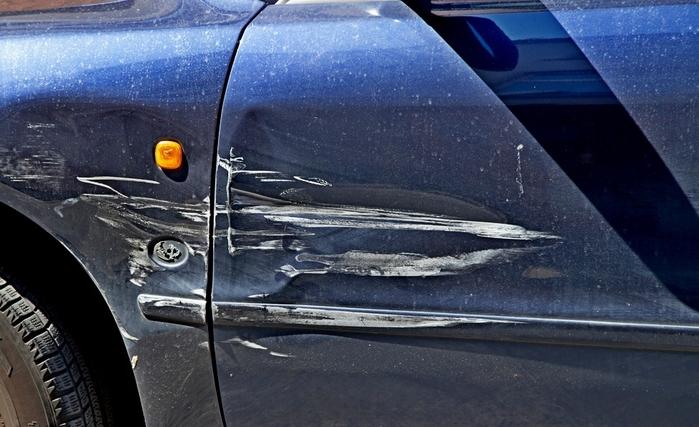 На автомойке поцарапали машину проходя деревушке