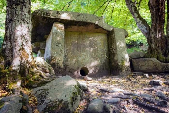 Самые загадочные памятники мира