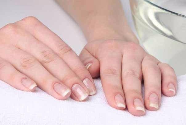 Как получить белые ногти