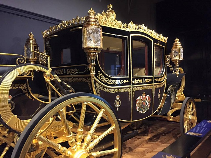Royal-Carriages4 (700x525, 375Kb)