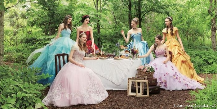 3925073_Disneyprincessweddingdressesnovate2 (700x351, 205Kb)
