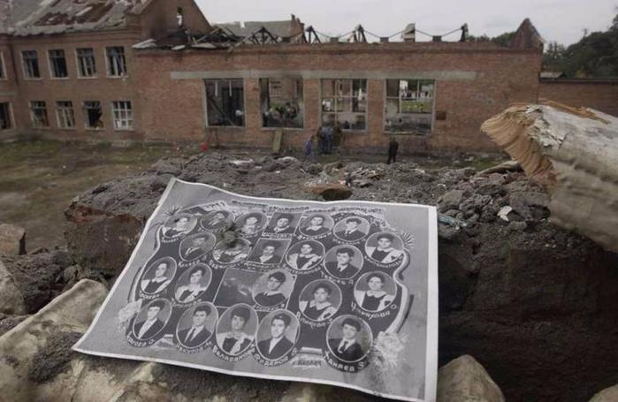 4.фото на развалинах (700x455, 267Kb)