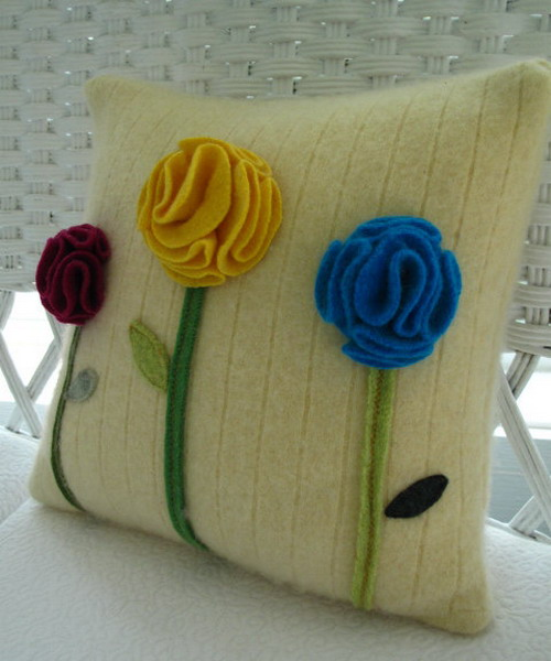 6226115_recycledsweaterpillowsdecorating12 (500x600, 68Kb)