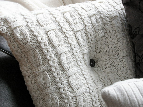 6226115_recycledsweaterpillowsindetails32 (600x450, 120Kb)