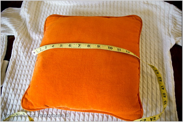 6226115_recycledsweaterpillowsdiy22 (600x400, 77Kb)