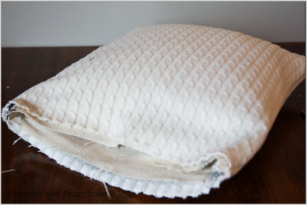 6226115_recycledsweaterpillowsdiy28 (600x400, 59Kb)