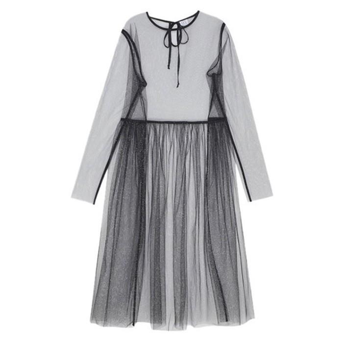 Нечего скрывать! Как правильно носить прозрачные платья