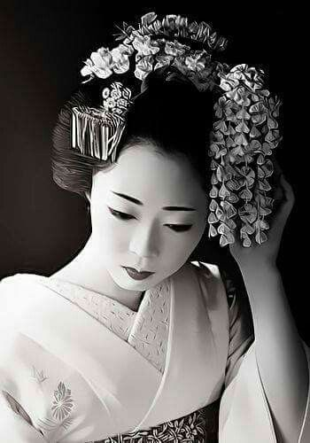 3ab23ead19bbc24469386237c69f9365--japanese-geisha-japanese-beauty (350x500, 27Kb)