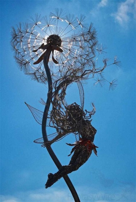 137809389 101817 1407 7 Изящные проволочные скульптуры британца Робина Уайта