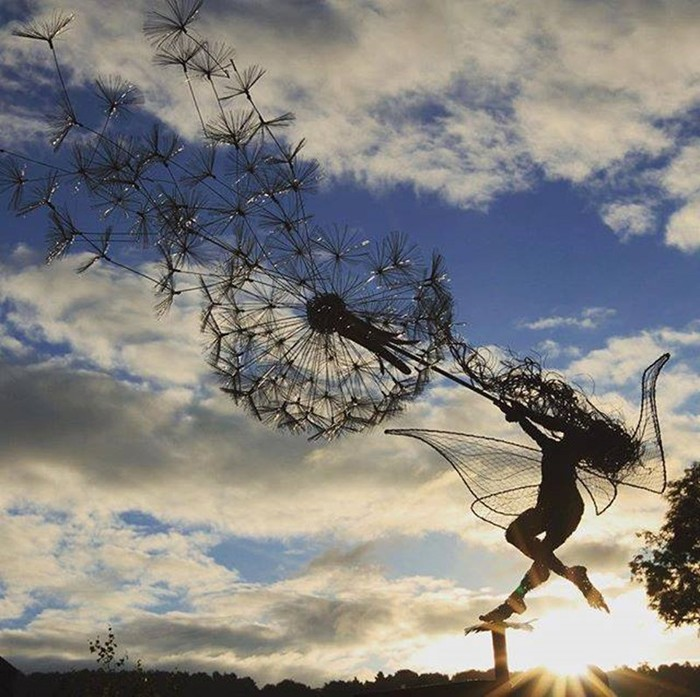 137809393 101817 1407 10 Изящные проволочные скульптуры британца Робина Уайта