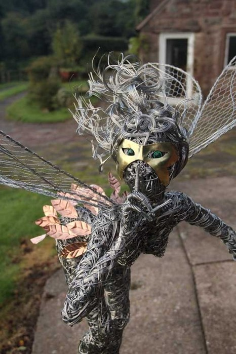 137809395 101817 1407 12 Изящные проволочные скульптуры британца Робина Уайта