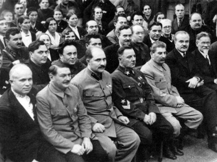 Почему при Сталине не боролись с ворами в законе