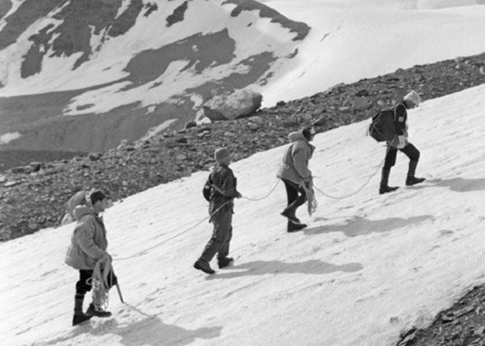 Смерть на пике Ленина: загадки крупнейшей трагедии в истории альпинизма