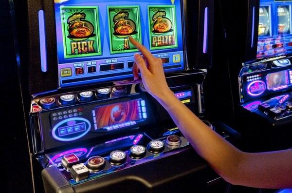 Игровые автоматы игро сервис стоимость за вход в казино метелица