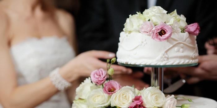 """alt=""""Красивые свадебные торты и сладости на свадьбу""""/2835299_TORTIK (700x350, 39Kb)"""