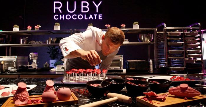рубиновый шоколад Ruby Chocolate 1 (700x366, 313Kb)