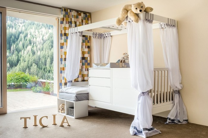 A bed that grows with your baby! Transformer Ticia