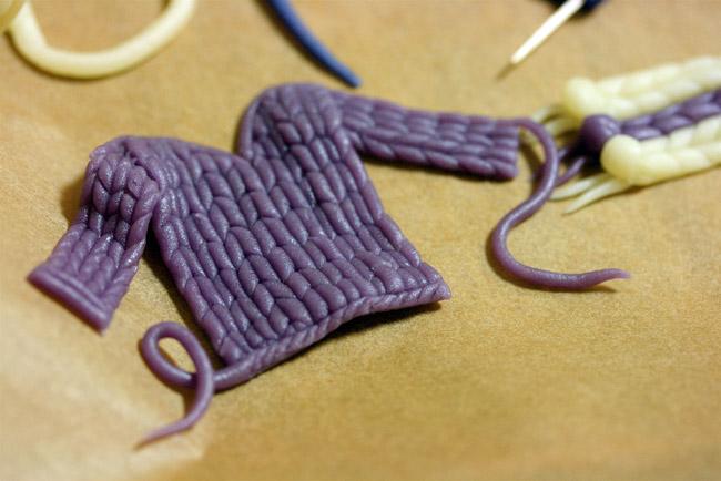 Сладкий свитер из марцепана