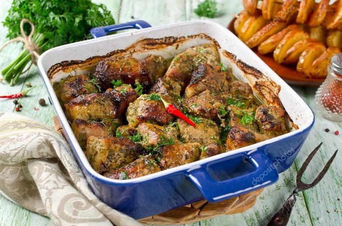 depositphotos_128360632-stock-photo-oven-roasted-crispy-pork-with (1) (700x463, 77Kb)