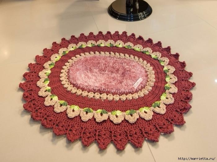 Крючком. Овальный коврик цвета бордо (3) (700x525, 265Kb)