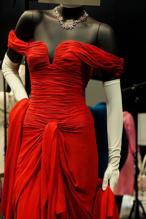 Топ 20 культовых платьев всех времен