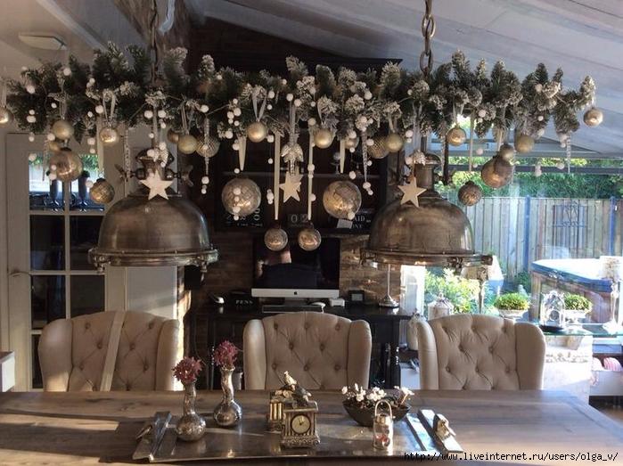 Kerst-tak-boven-de-eettafel-nog-mooier-als-vorig-jaar-ieder-jaar.1449510552-van-Binkyjef (700x523, 311Kb)