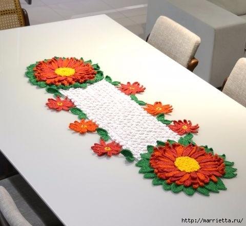 Салфетка крючком с рождественскими цветами (480x442, 95Kb)