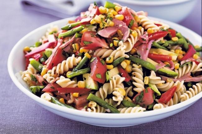 Italyanskii_salat_s_makaronami