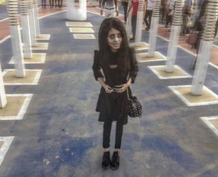 Знакомьтесь, это 22 летняя Сахар Табар из Ирана...