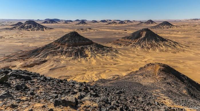Уснувший океан в белой пустыне— уникальные места планеты