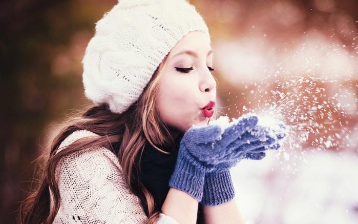 3472645_Wintergirl11920x1200 (700x437, 216Kb)