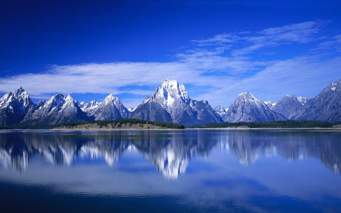 Jackson-Lake-in-Wyoming-Grand-Teton-National-Park-USA-Rocky-Mountains-Blue-Sky-Landscape-3840x2160-1440x900 (700x437, 282Kb)