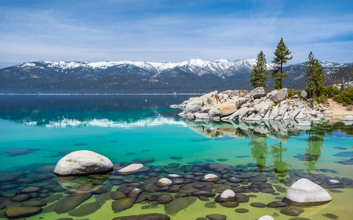 Lake-Tahoe-in-October-Nevada-United-States-Landscape-Wallpaper-HD-3840x2400-1440x900 (700x437, 333Kb)