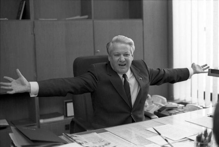 Кто сбросил Бориса Ельцина с моста в 1989 году