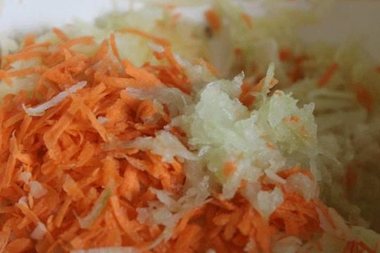 Мясные котлеты с овощной добавкой