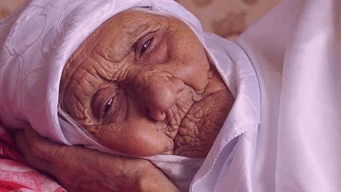 Самые молодые и самые старые бабушки и дедушки во всем мире