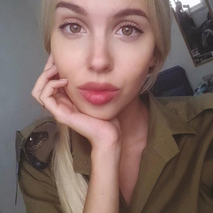 Мария Домарк— самая сексуальная военнослужащая в мире! Фотографии и видео