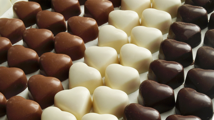 Sweets_Candy_Chocolate_Many_Heart_513889_2560x1440 (700x393, 312Kb)