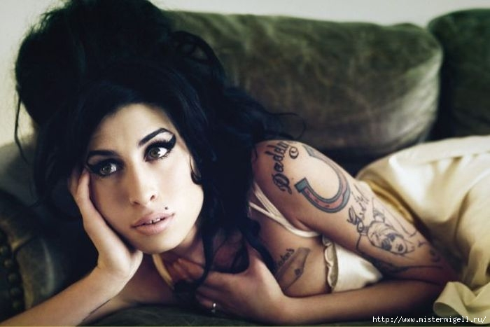 3085196_winehouse_webmixerdetailed_jpg (700x467, 122Kb)
