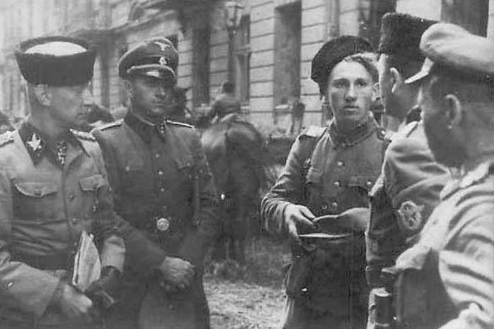 Сколько немцы платили полицаям и власовцам