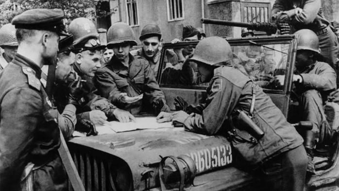 Почему союзники не штурмовали Берлин весной 1945 года