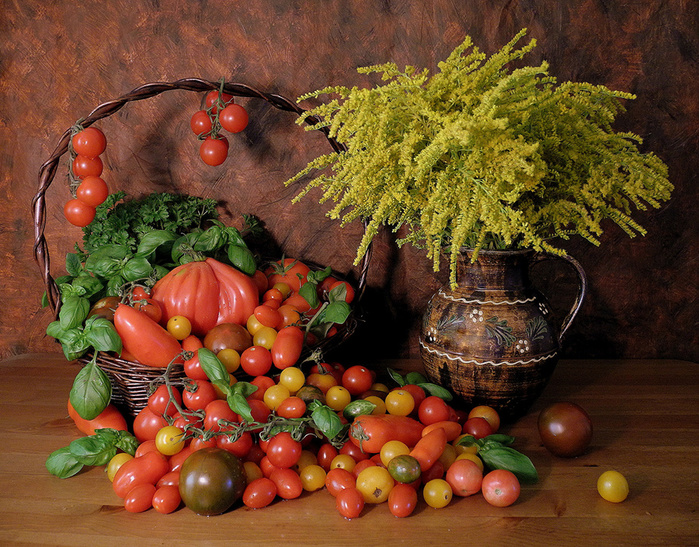 Tomatoes_Still-life_482087 (700x547, 289Kb)