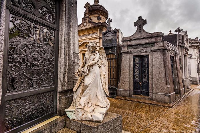 кладбище реколета 3 (700x466, 497Kb)
