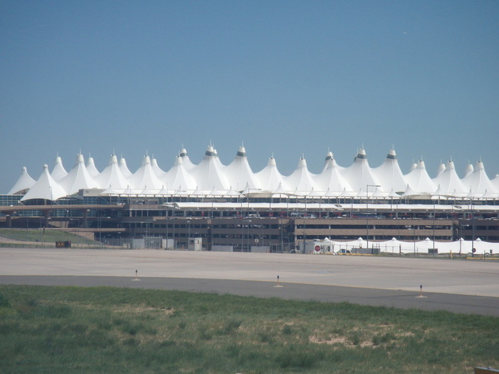 Denver_International_Airport (700x525, 86Kb)