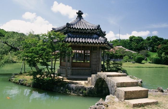5177462_800pxSad_ShikinaEn_v_Nahe_Okinava (700x456, 136Kb)