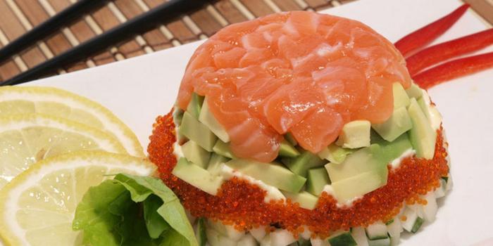 Салат с лососем и сливочным сыром (700x350, 270Kb)