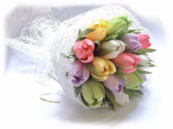 Букет из тюльпанов из гофрированной бумаги